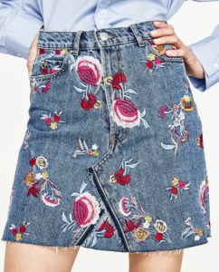 flower eimbrodery on the jeans skirt