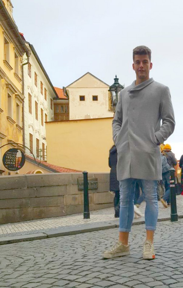 Man fashion, Autumn in Prague